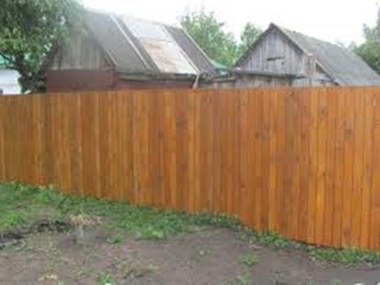 Деревянный забор некрашенный