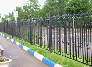 Забор железный