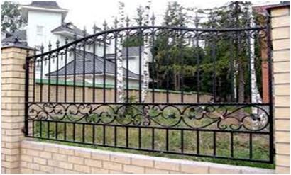 Кирпичное основание под железный забор