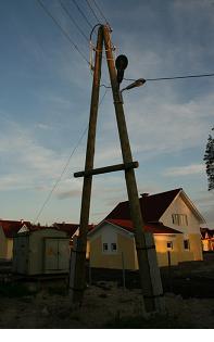 Столб деревянный