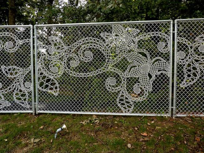Забор как кружево