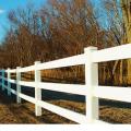 Крашенные деревянный забор