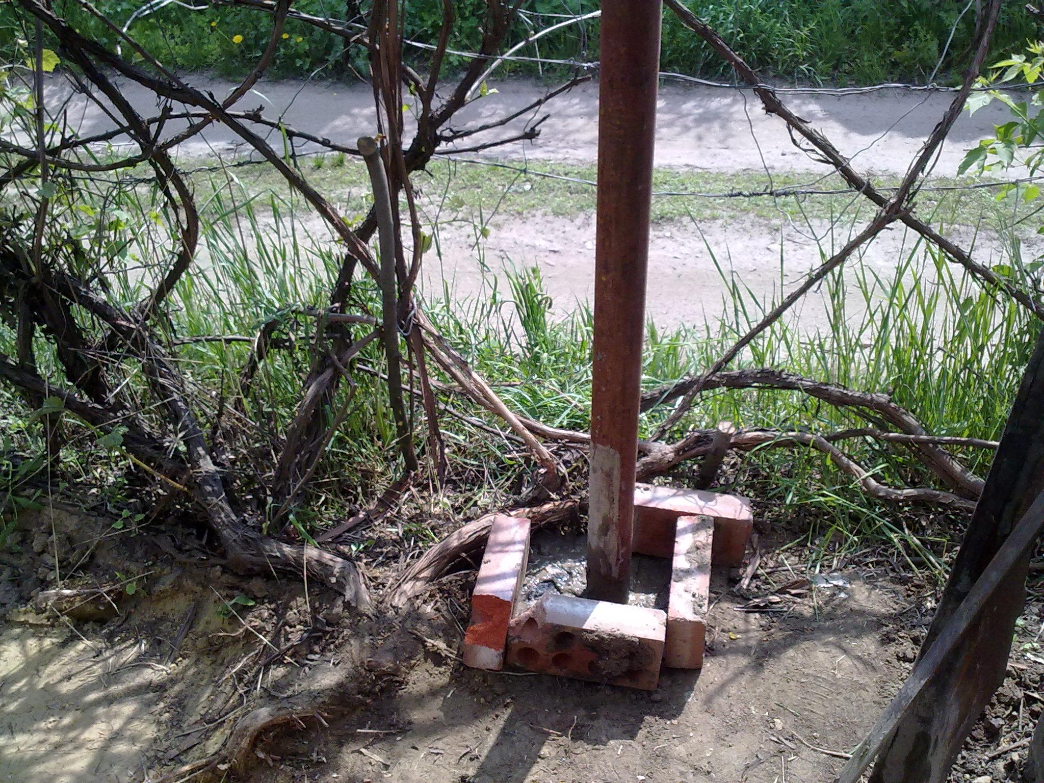 Столб из железа