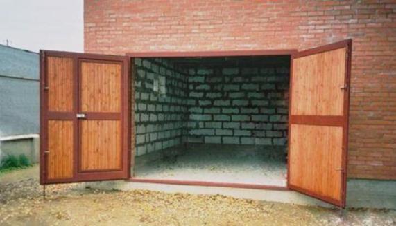 Комбинированные с дверью гаражные ворота