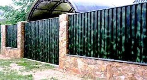 Сдвижные ворота из необычного металлопрофиля