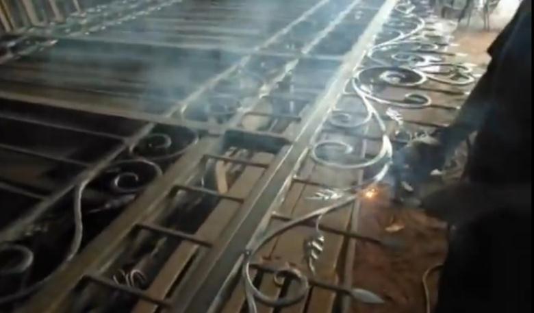 Размещение элементов из кованого металла