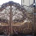 Необычный кованый портал