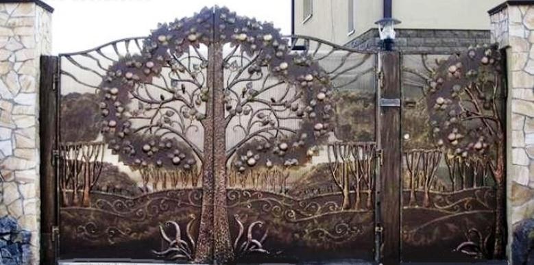Растительный орнамент на въездном портале