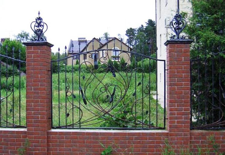 Современная кованая ограда