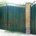 Металлический въездной портал