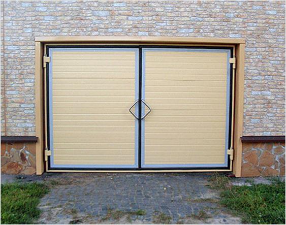Двустворчатые гаражные ворота
