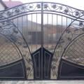 Двустворчатый портал