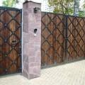 Деревянные ворота и калиткой