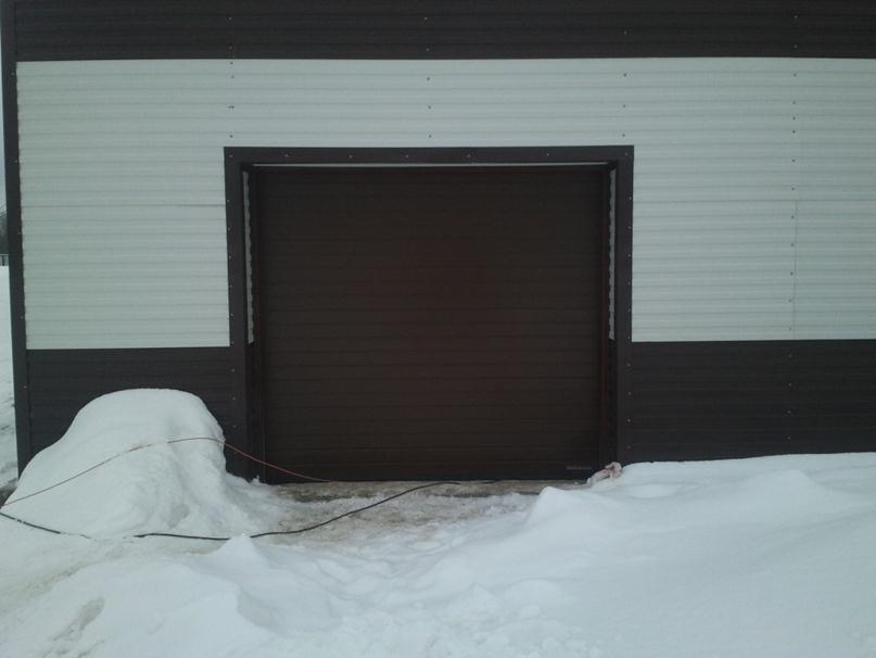 Секционно-подъемные ворота