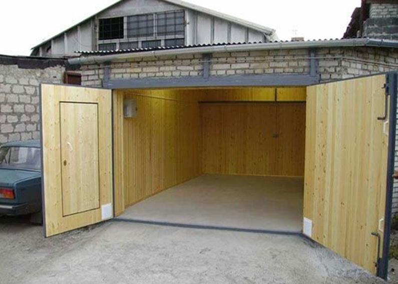 Обшитые гаражные ворота