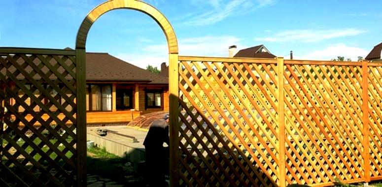 Забор из древесины