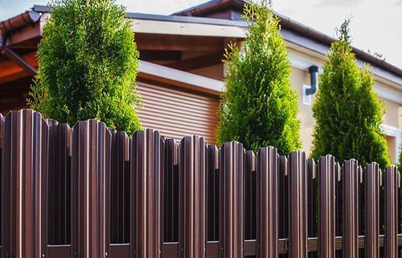 Забор с защитным слоем