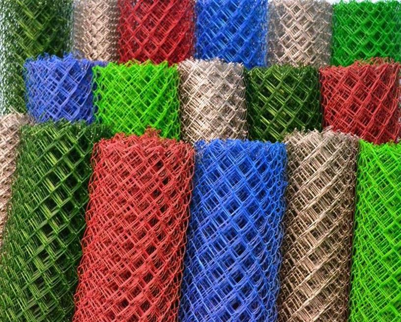 Рулоны разноцветной сетки