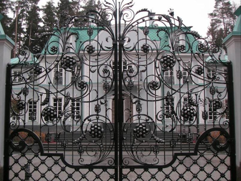 Ажурные металлические ворота