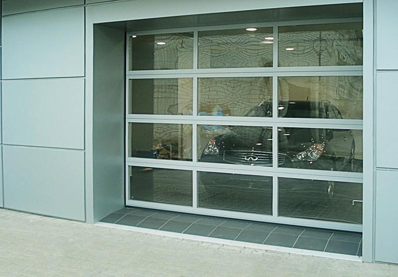 Прозрачный гаражный портал