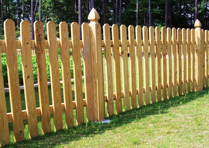Забор из деревянных реек