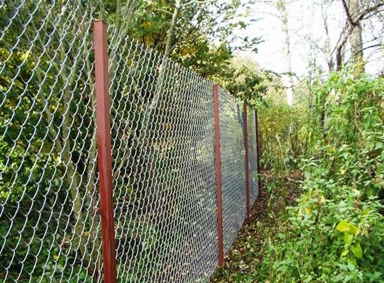 Ограда из проволоки