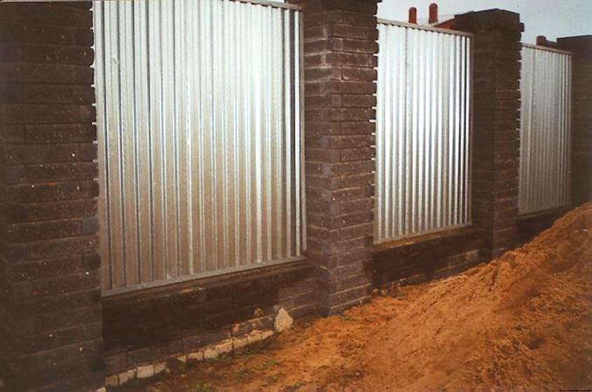 Ограда и профлиста